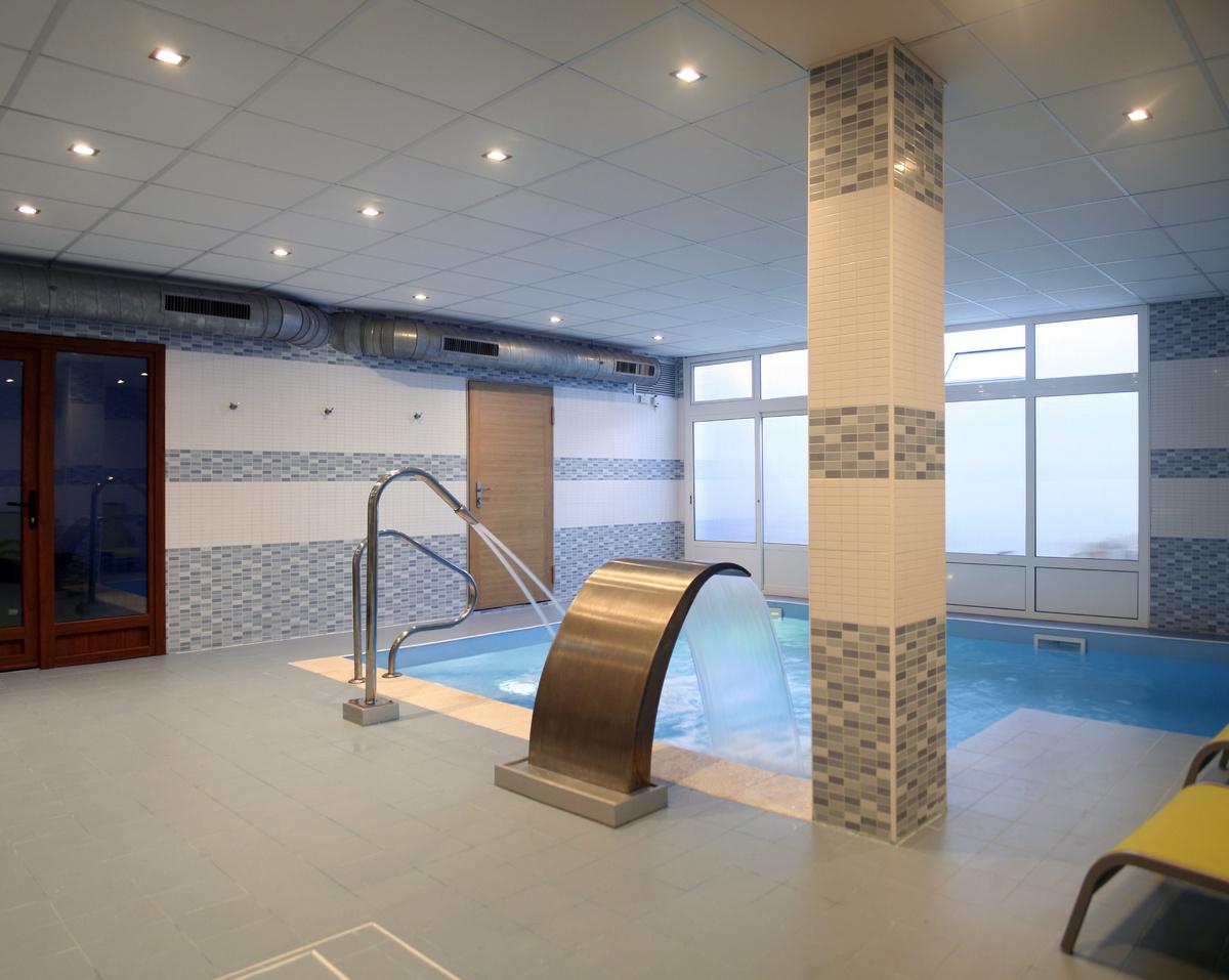 Spa antilles playa casa rural en llanes asturias con jacuzzi y piscina - Casa rural con piscina climatizada asturias ...